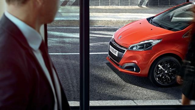 Peugeot 208 vista delantera